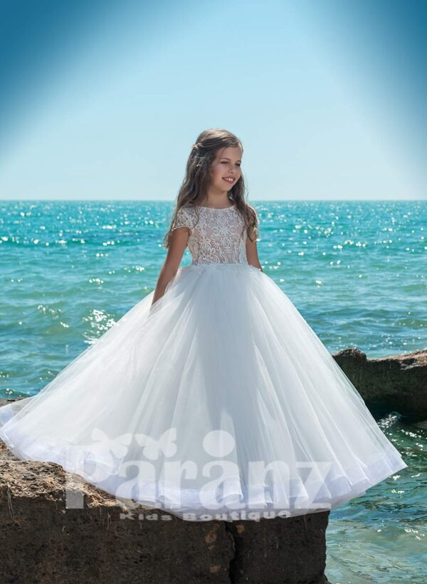 BEAUTIFUL EMBROIDERED BEIGE BODICE WITH FLOOR LENGTH MULTI-LAYER TULLE SKIRT