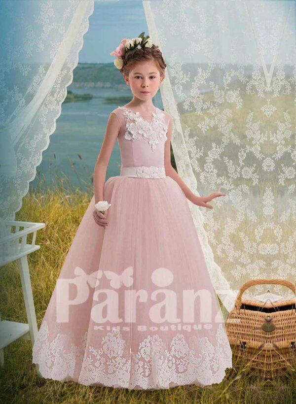 Soft pink tulle skirt dress with white flower appliquéd bodice for girls