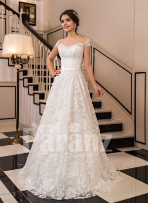 All-over lace work beautiful floor length white tulle wedding gown with royal bodice