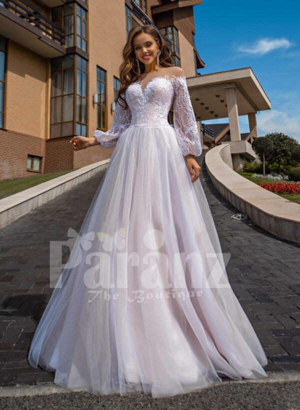 Floor length stunning white off-shoulder Arabian princess style wedding tulle gown
