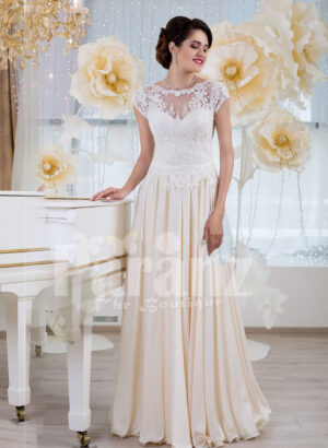 Women's elegant wedding gown with tulle skirt and lacy royal bodice