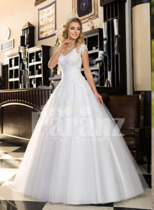 Women's super stylish and elegant white wedding tulle gown with lacy bodice
