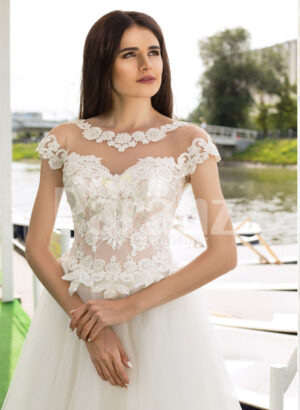Womens beautiful lacy floral bodice tulle skirt wedding gown in white