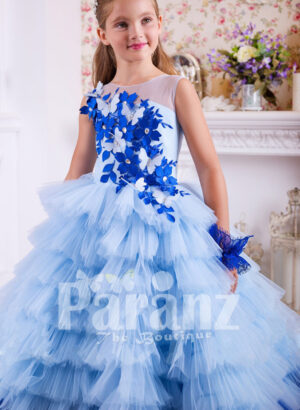 A majestic long formal dress for little girls blue